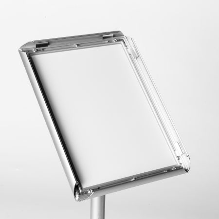 Get your uniquely designed aluminium poster stands printed at uprint.be. Perfect for getting your message out at events.